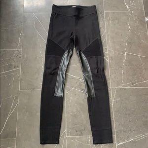 Aritzia (Wilfred) Skinny black pants
